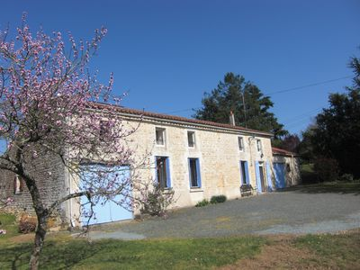 Photo for Rural Vendéen farmhouse, fully renovated, located in a quiet hamlet.