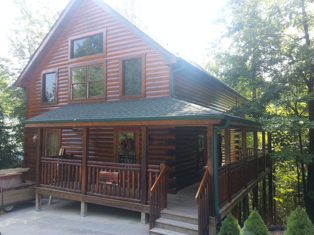 Real log cabin 2 bedroom 2 full bath full kitchen close Log cabin 2 bedroom