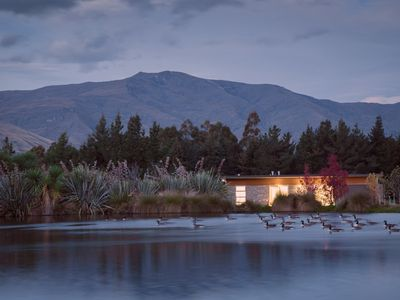Omaio - Modern rural retreat with wetlands, mountain views & outdoor fireplace