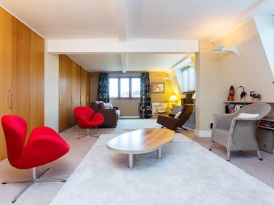 Photo for Lovely home in Putney by main train links. Situated by the River Thames (Veeve)