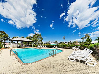 Shared Pool - Enjoy access to a large shared pool and a kids' pool.