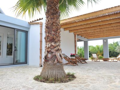 Photo for Modern Independent Villa with Garden, Terrace,  Wi-Fi, few steps to Sandy Beach