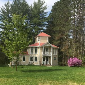 Photo for Light-Filled Octagon Getaway, wifi, close to ski areas