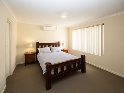 Photo for Cosy Lodge Cannington - Comfort at value price