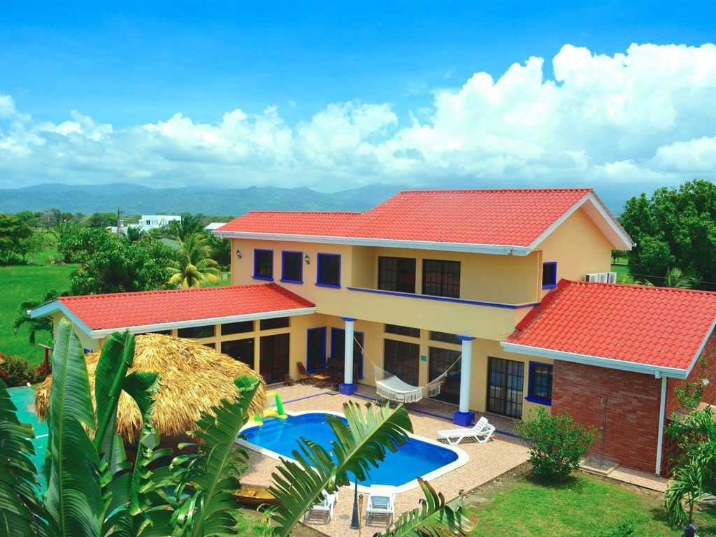 Book and stay with confidence Secure payments, peace of mindAmenities: WiFi, Pool, Kitchen, Parking, Air Conditioning.