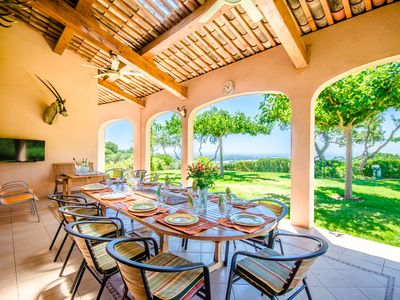 Photo for Comfortable 11 pers villa for rent per fortnight, sea view, above vineyards