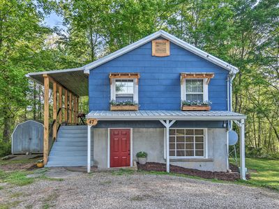 Photo for NEW! Cozy Candler Cottage - 11 Mi to DT Asheville!