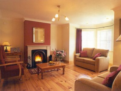 Photo for Detached 3 bedroom holiday home with partial views over Dingle Bay