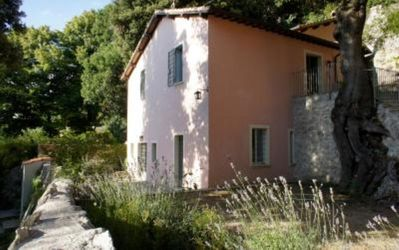 Photo for Charming 3 bedroom house with garden in the woods near Spoleto