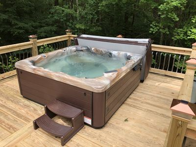 15 % Off ! 5 BR Large~ 22ppl -9miles Dwntwn, XL HOT TUB🏅
