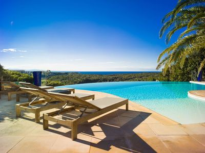 Photo for Mini one-bedroom villa with stunning views of Bonifacio, Sardinia and the sea