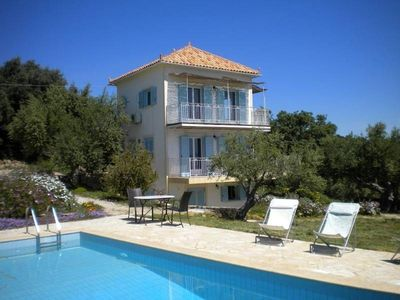 Photo for Villa with pool and panoramic sea view near Koroni