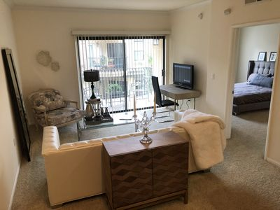 Photo for Luxury 1 bedroom apt in resort setting near all major downtown attractions .