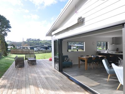 Photo for Cooks Beach Voyager Holiday Home