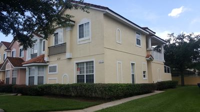 Photo for Spacious Updated Townhouse - 9 miles from Disney