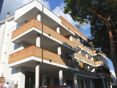 Photo for Nice 2-rooms-flat with large covered terrace with barbecue and garden forniture