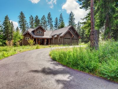 Photo for Wonderful one story floor plan looking right into the scenic forested mountains!