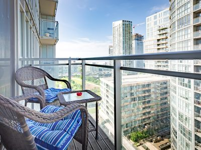 Photo for Lake-View Balcony, FREE Parking & Walk to CN Tower