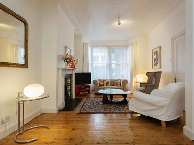 Photo for UP TO 20% OFF - Charming 2 bed home in boutique Chiswick - Veeve
