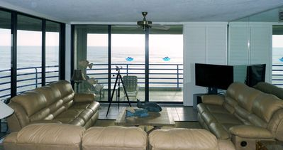 Photo for Gorgeous beach condo, 3 beds 3 baths, all facilities at Ebb Tide