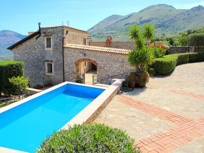Photo for BEAUTIFUL VILLA with SWIMMING POOL for EXCLUSIVE use, relax a few km from the sea!