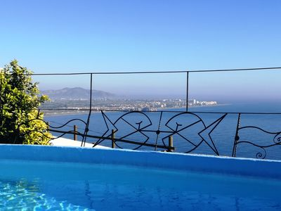 Photo for Fantastic sea view, charming villa, heated pool.