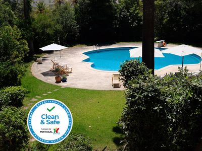 Photo for Villa with 7 rooms, swimming pool, tennis court and garden
