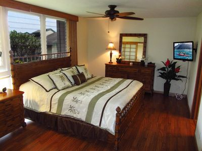 Master Bedroom with King size bed and Wall Mounted TV
