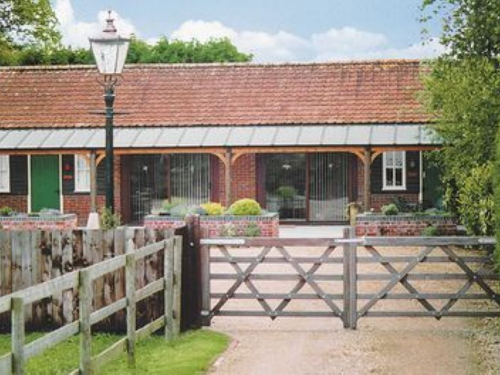 Property Image#1 A Cosy 2 Bedroom Cottage With Enclosed Garden. Located In  Wiltshire