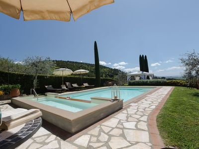 Photo for Private Villa with private pool, A/C, WIFI, TV, patio, panoramic view, close to San Gimignano