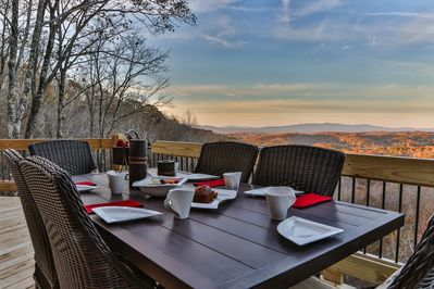 Unforgettable dinner setting anyone?