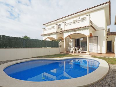 Photo for House with private pool, well equipped for up to six people with three bedrooms (one with