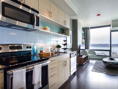 Pike's Place Luxury Condos 2BR/2BA