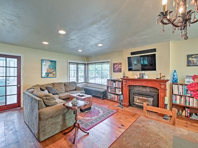 Photo for Pet-Friendly Puget Sound Cottage - Walk to Beach!