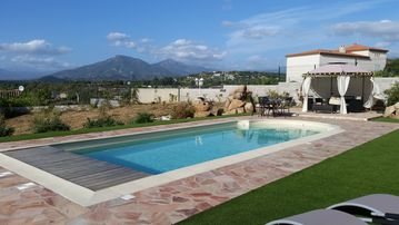 Luxury Villa with heated pool, garden with sea and mountain views Porticcio