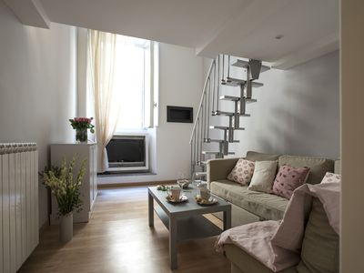Photo for Charming apt in the heart of Rome, few mt from Trevi Fountain and Spanish Steps