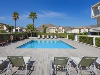 Photo for La Perla modern 3 bedroom apartment with pool