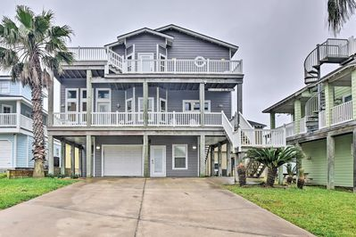 Make 'Somewhere in the Sun' your Port Aransas home-away-from-home!
