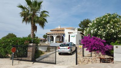 Photo for Mediterane villa with private pool, panoramic sea / mountain views, south-west facing, ground floor.