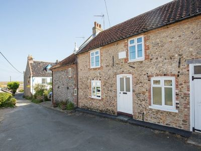 Photo for Pretty traditional flint character cottage is located in a picturesque setting