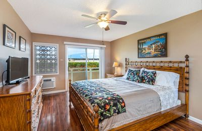 Photo for Plantation Hale Suites K5, King Bed, AC, Wifi, Near Shops and Beaches