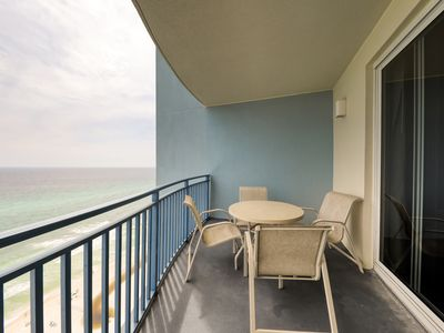 Photo for Beautifully updated beachfront condo w/ shared pool, hot tub & gym!