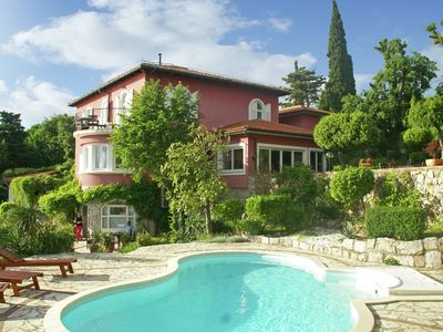 Photo for Apartment in beautiful villa with private beach, located at Kraljevica