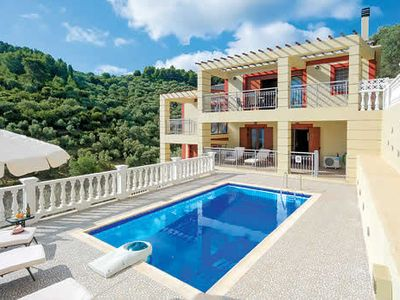 Photo for 3 bedroom hillside villa, air conditioning, BBQ, private pool & Wi-Fi