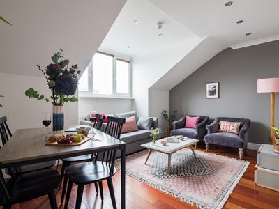 Photo for The Cromwell Road Escape - Modern & Central 1BDR Flat with Rooftop Terrace