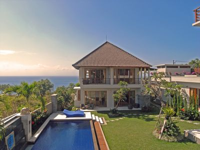 Photo for 5 Bedrooms Ocean Villa in Uluwatu