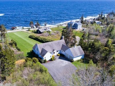 Photo for Waters Edge House-Family Friendly-Private-Just a stones throw to Pemaquid Light
