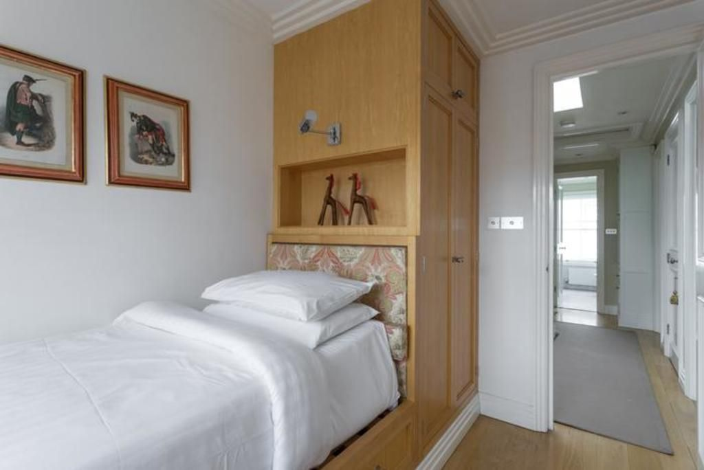 London Home 632, How to Rent Your Own Private Luxury Holiday Home in London - Studio Villa, Sleeps 5