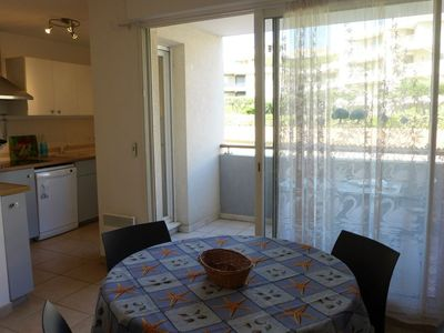Photo for Apartment in the center of Cavalaire-sur-Mer with Internet, Air conditioning, Lift, Parking (676535)