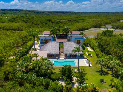 PRIVATE LUXURY RETREAT IN CAP CANA W/ POOL, JACUZZI & MAID